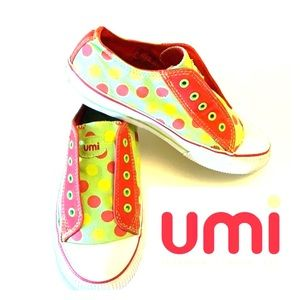 UMI Sneakers